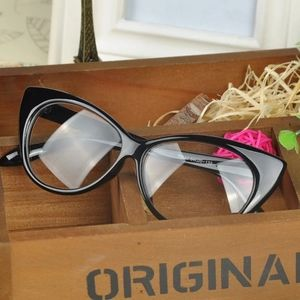 Accessories - JUST BACK - Black Cat Eye Glasses